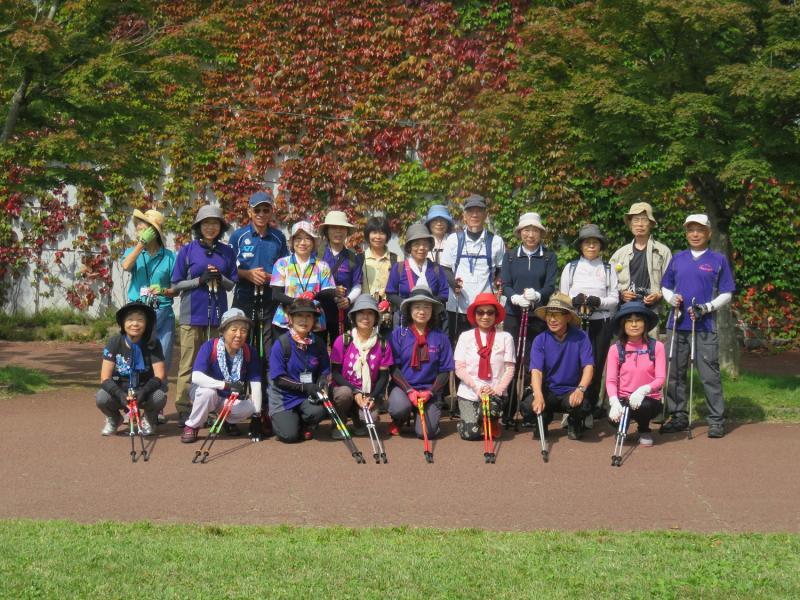 箱根園の水族館前