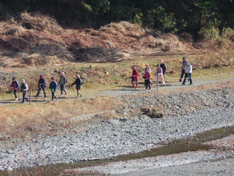 水無川をコースをです(橋から撮影)