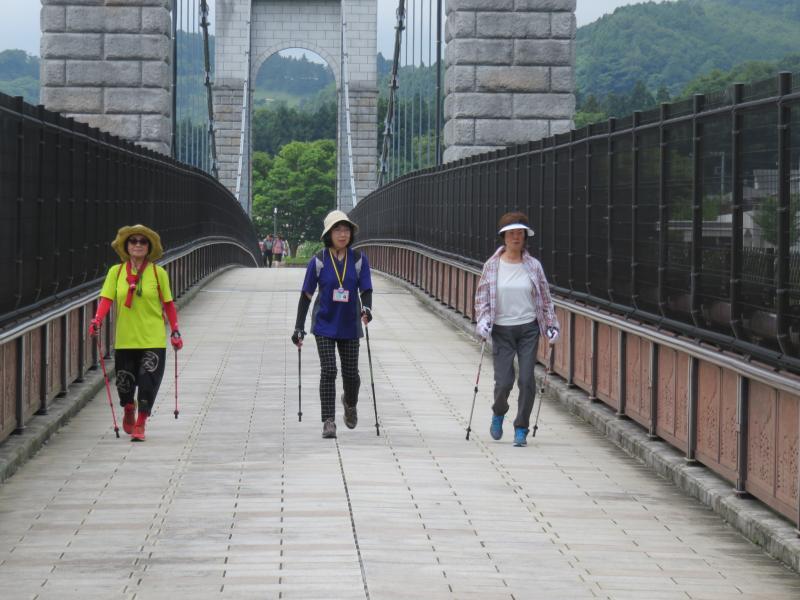 吊り橋は長さ約270m