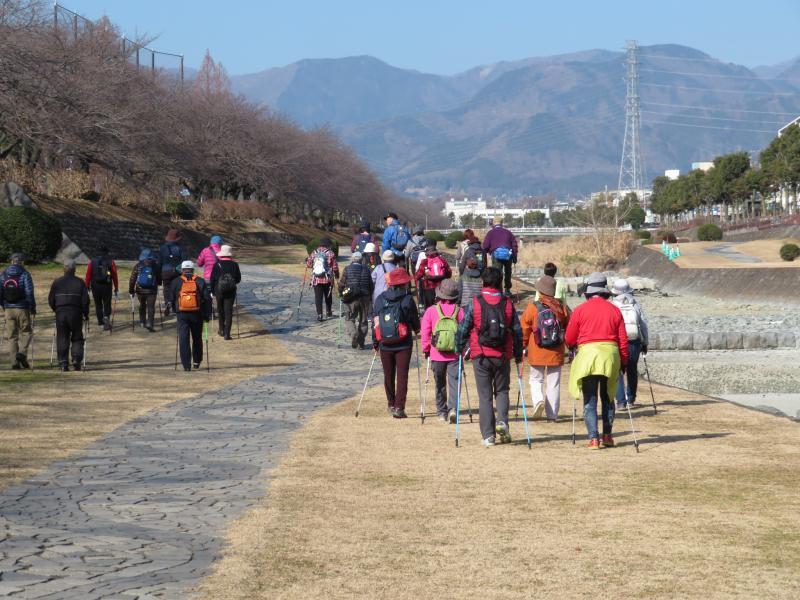 丹沢の山を見て戻る