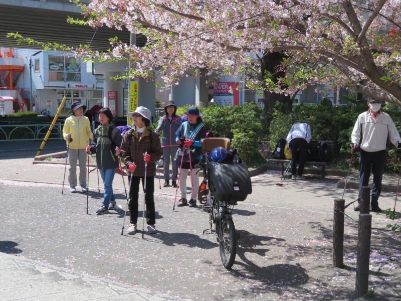 経堂の石仏公園でウォーミングアップ