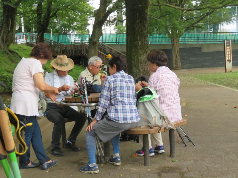 ピクニック広場で休憩(NWでは珍しいです)