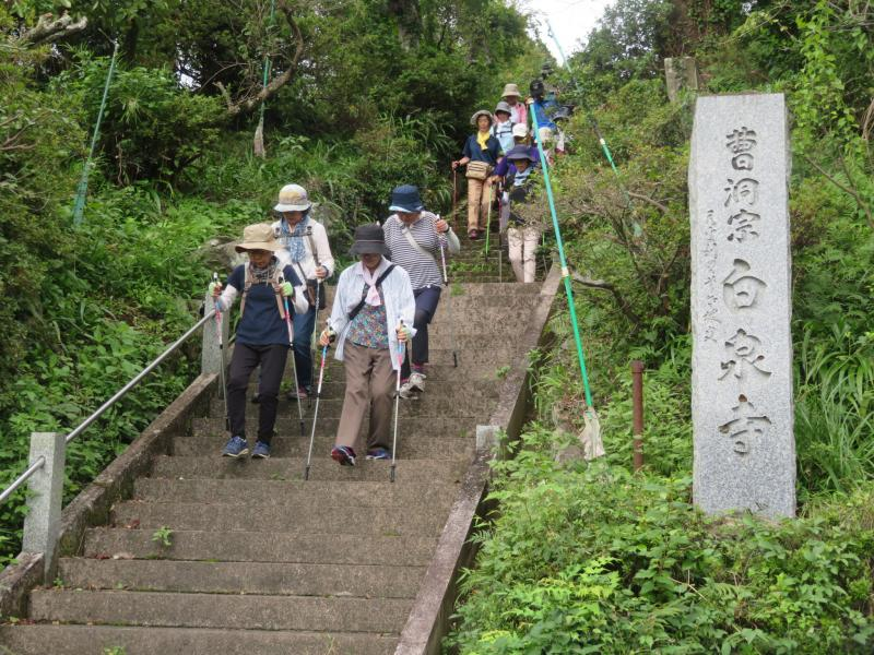 白泉寺から加羅古神社へ