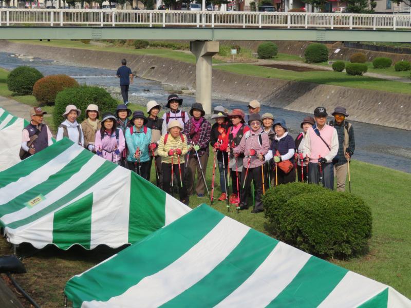 市民の日のテントの準備