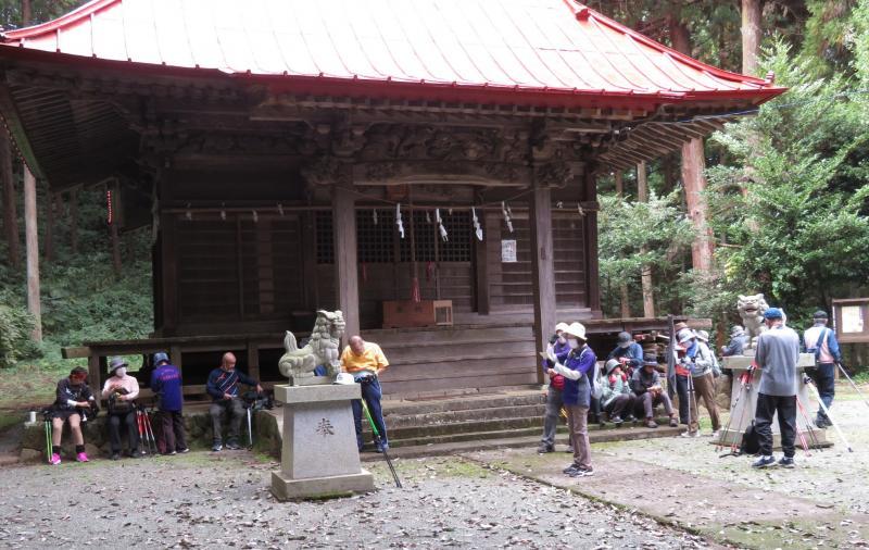 白山神社本堂