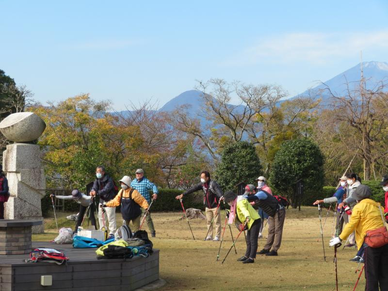 遠方の山は矢倉沢?