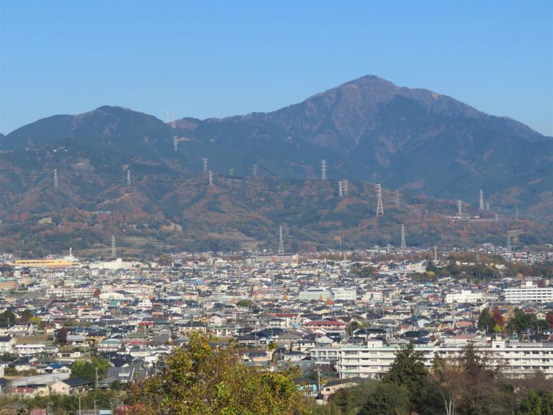 表丹沢の山並みです
