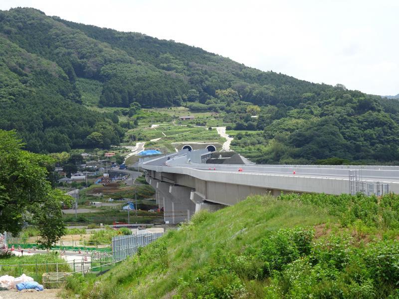 羽根トンネル工事(2階より)