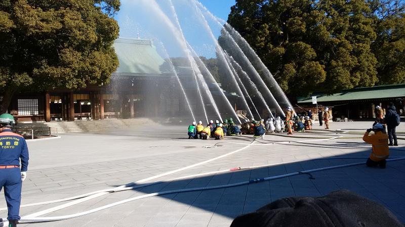 消防訓練、放水