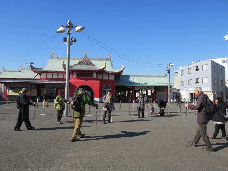 駅前広場でクールダウン
