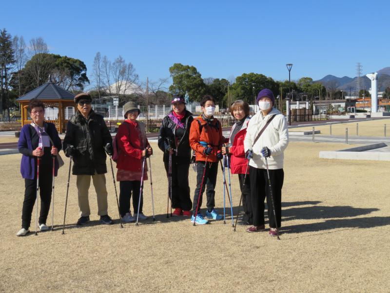 子ガメさんグループの後ろには富士山