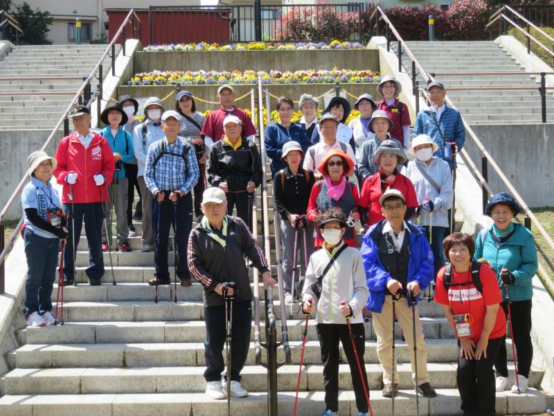 ちびっこ広場の階段