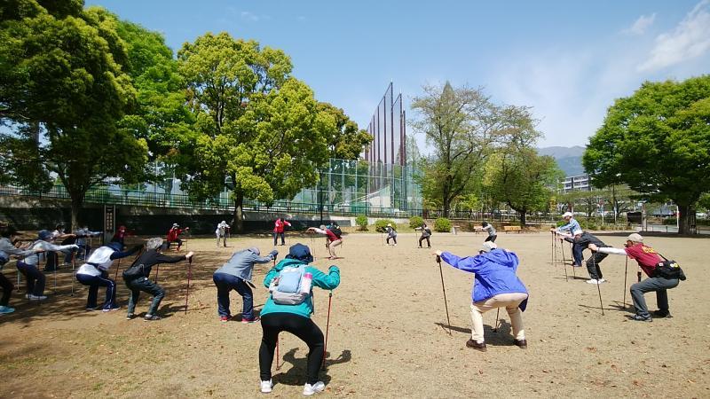ピクニック広場での筋トレ