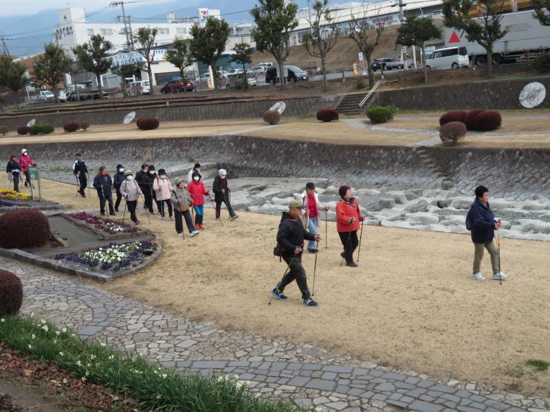 水無川緑道は歩き易いです