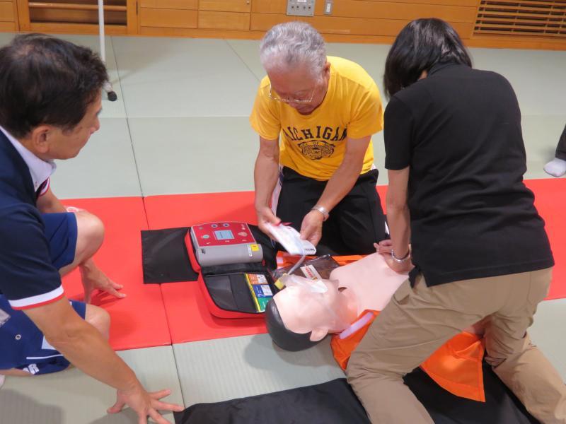 AED操作は音声で教えてくれる