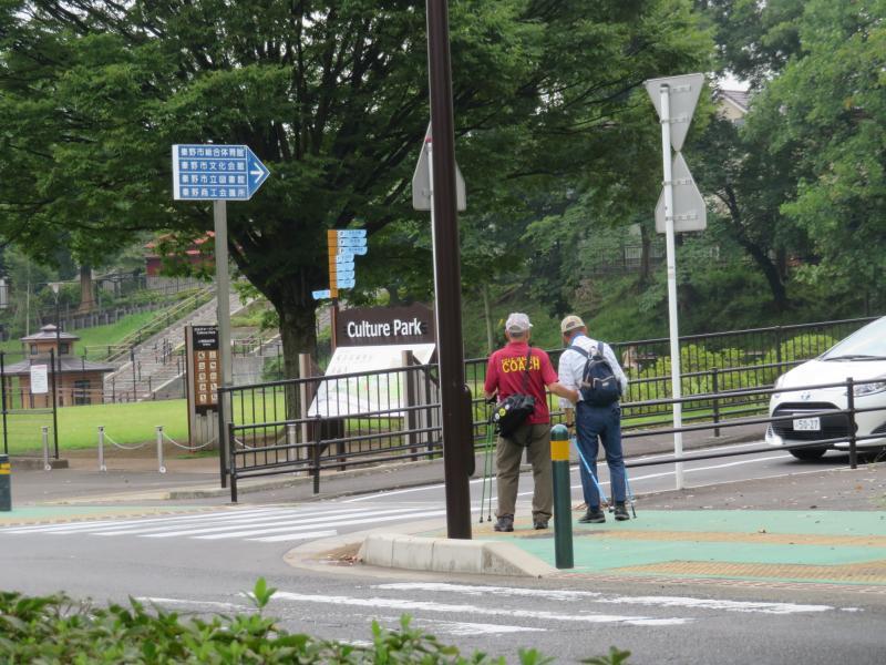 横断歩道はコーチが安全確認します