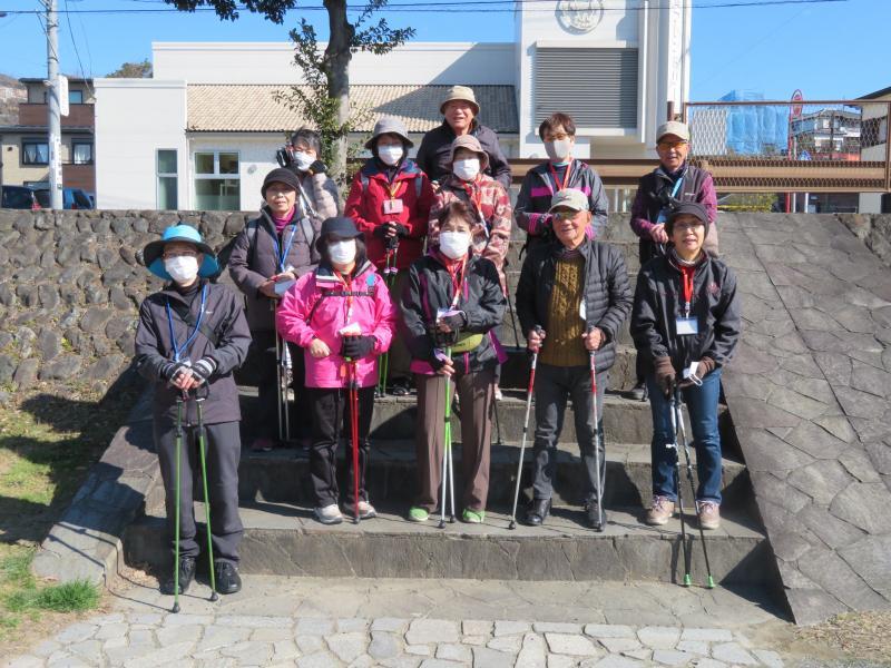 富士見橋で休憩(うさぎさん)